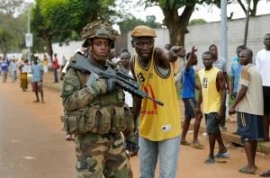 Centrafrique-chrétien-montre-des-séléka