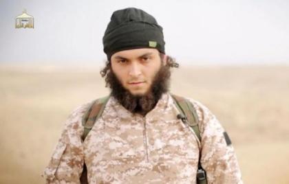 648x415_image-tiree-video-diffusee-16-novembre-2014-al-furqan-media-montrant-francais-mickael-dos-santos-membre-groupe-etat-islamique