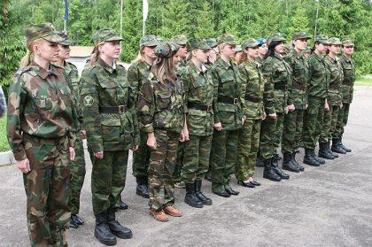 femme-militaire-russe-2