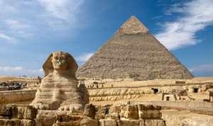 le-Sphinx-et-les-Pyramides-d'Egypte