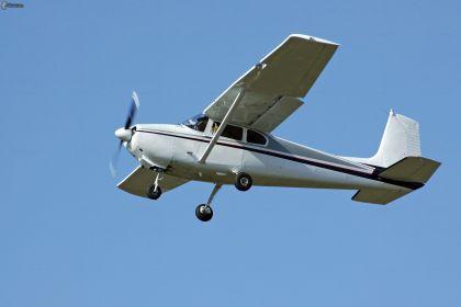 cessna,-petit-avion-de-sport-154860