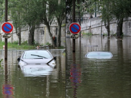COMBO-FRANCE-FEATURE-FLOOD-WEATHER