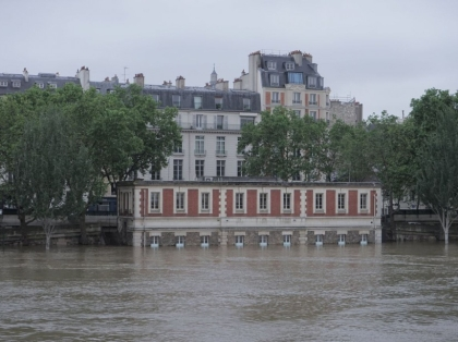 Paris: River Seine floods quays after days of torrential downpours